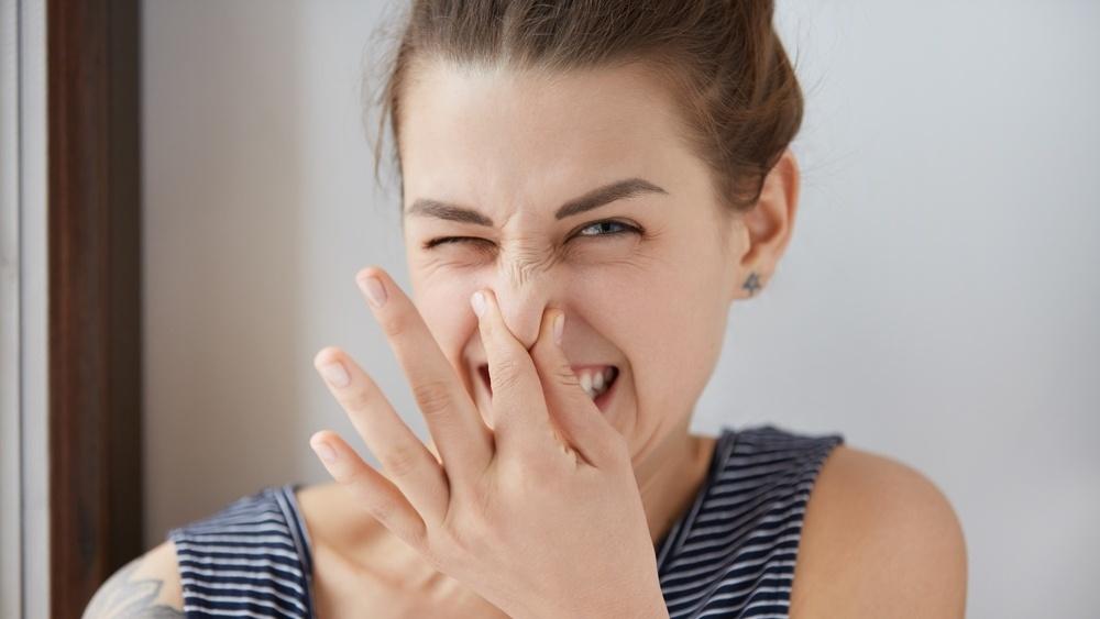 Vond lukt er ett av flere tegn på at badet ditt kanskje trenger en rehabilitering.