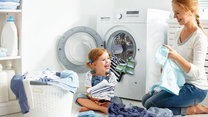 Å kombinere bad og vaskerom har både fordeler og ulemper.