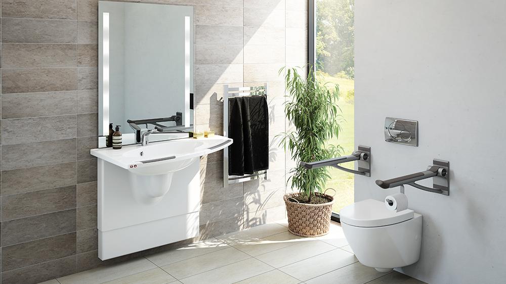 Bo lenger hjemme med riktige hjelpemidler på badet