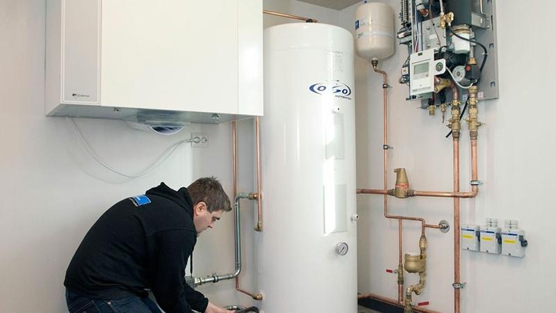 Grønnere bygg: Slik reduserer du strømutgifter og varmtvannsforbruk