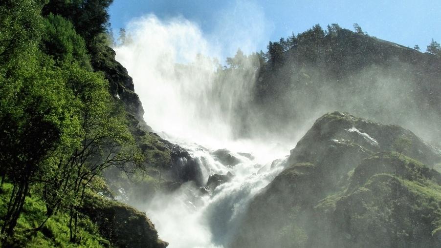Er det noe poeng å spare vann og måle vannforbruk i vannlandet Norge?