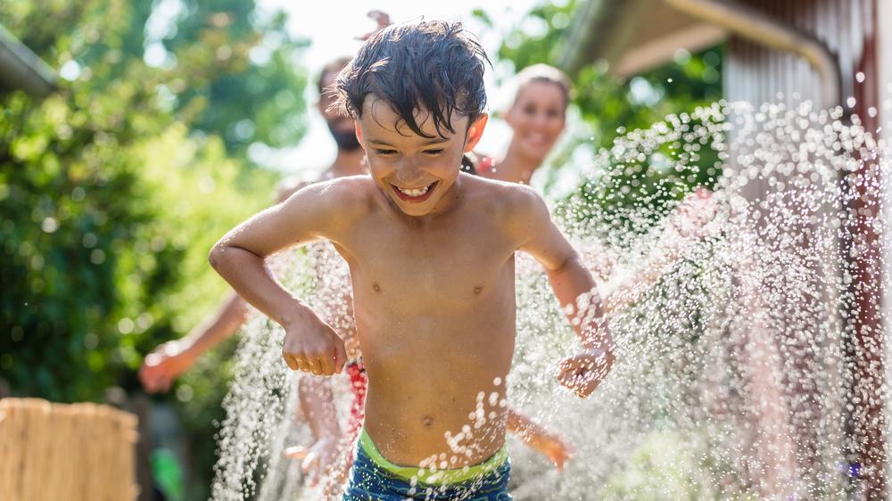Sommer i Norge: Legg varmtvann i utekrana